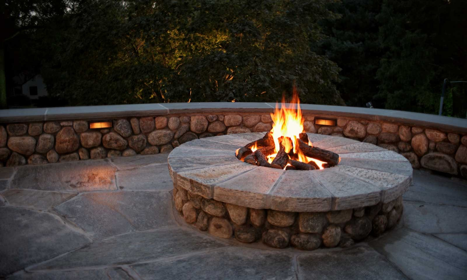 CT Outdoor Fireplaces