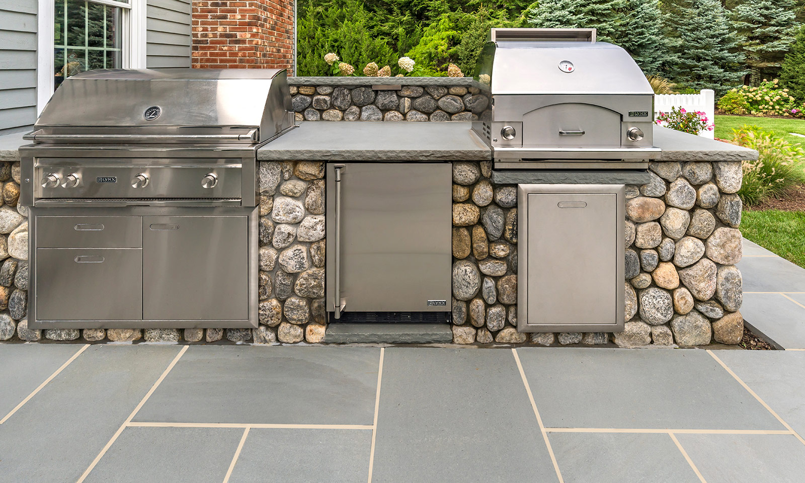 Fieldstone grilling station